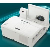 Panasonic PT-CW241RE Projector
